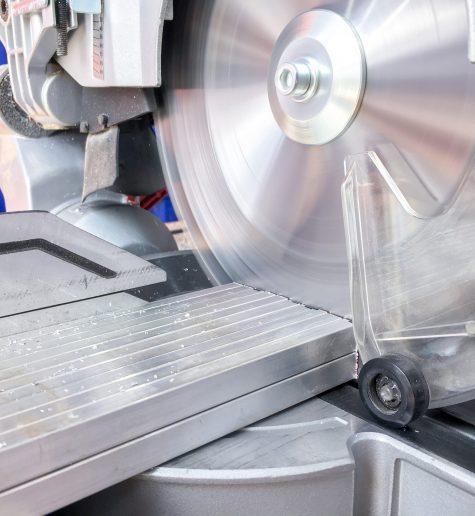 Vađenje prilikom rezanja aluminija